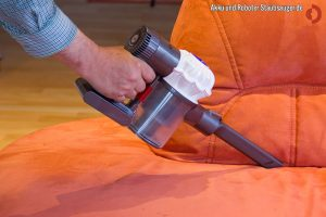 Couch saugen Akku-Staubsauger Dyson V6