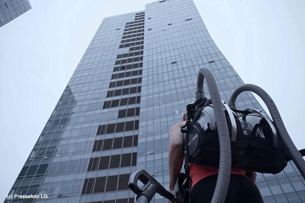LG-CordZero-Kletteraktion-Pressefoto2