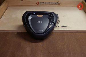 AEG-RX9-Saugroboter-Huepft-21mm-hoch