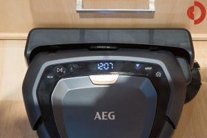 AEG-RX9-Saugroboter-Test-Bedienelemente