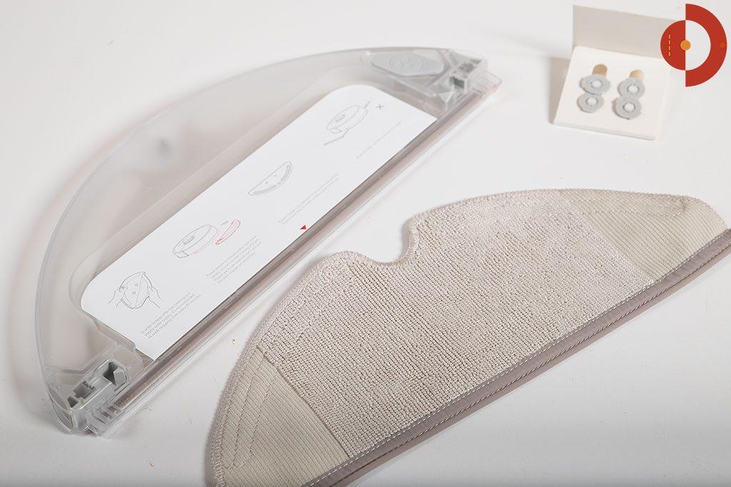 Xiaomi-Roborock-Robotic-Vacuum-Cleaner-Testbericht-Lieferumfang-Wischaufsatz