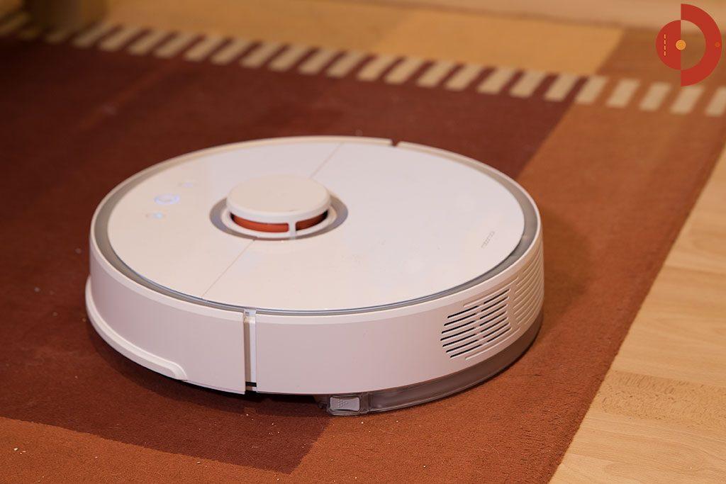 Xiaomi-Roborock-Robotic-Vacuum-Cleaner-Testbericht-Wischaufsatz-auf-Teppich
