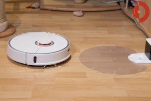 Xiaomi-Roborock-Robotic-Vacuum-Cleaner-Testbericht-an-Landestation
