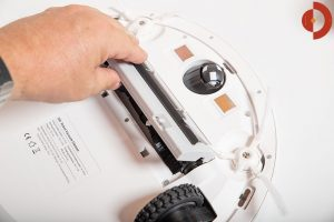 360-S6-Robot-Vacuum-Cleaner-Test-Buerste-Entnehmen