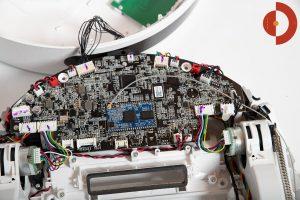 360-S6-Robot-Vacuum-Cleaner-aufschrauben-innen-3-platine