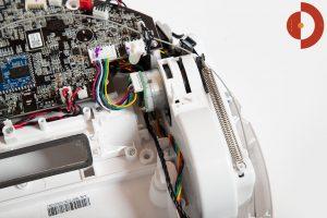 360-S6-Robot-Vacuum-Cleaner-aufschrauben-innen-4-antriebseinheit