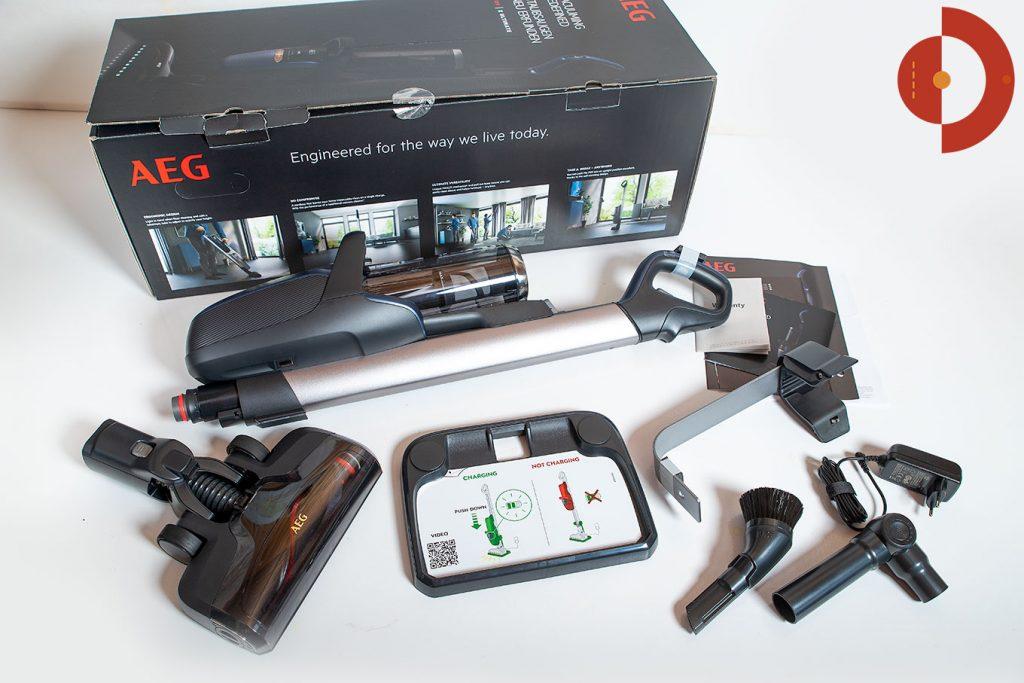 Akkustaubsauger-AEG-FX9-1-IBM-Test-Lieferumfang