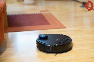 Ecovacs-Robotics-Deebot-OZMO-930-Test-Wohnraum3