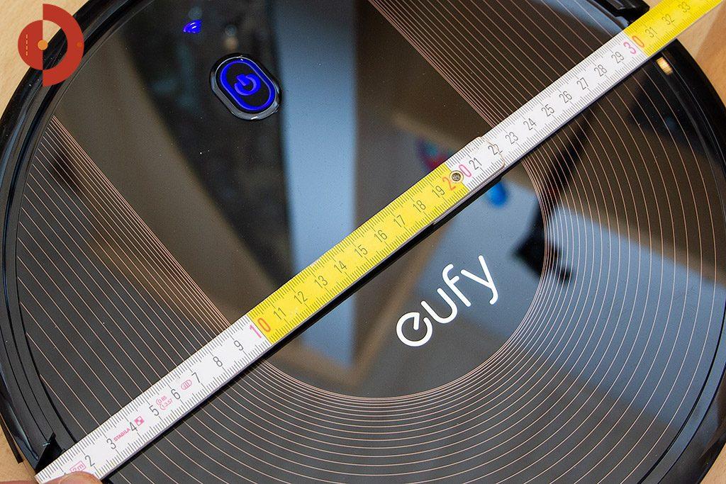Eufy-RoboVac-30c-Test-Saugroboter-Groesse