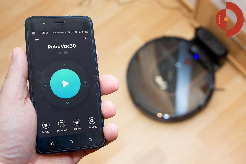 Eufy-RoboVac-30c-Test-Saugroboter-Vergleich-Smartphone