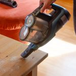Philips-SpeedPro-Max-Plus-Aqua-XC8147-Test-Kruemel-saugen