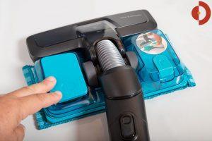 Philips-SpeedPro-Max-Plus-Aqua-XC8147-Test-Saugduese-mit-Wischmop-Pedal