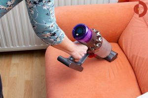 Dyson-V11-Absolute-Test-Couch-saugen-3