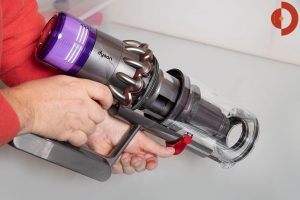 Dyson-V11-Absolute-Test-Filter-Entleeren-2