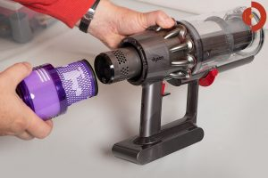 Dyson-V11-Absolute-Test-Filter-entfernen-2