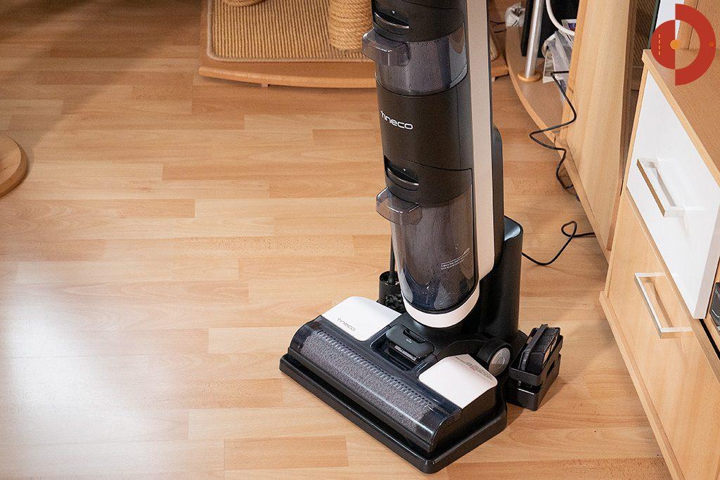 Tineco-Floor-One-S3-Test-Wohnraum-Ladestation