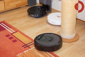 iRobot-Roomba-i7-Plus-Deebot-Ozmo-T8-AIVI-Roborock-Vergleich