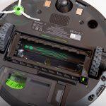 iRobot-Roomba-i7-Plus-Test-Buerstenhalterung