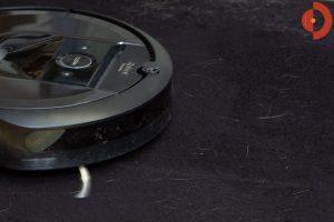 iRobot-Roomba-i7-Test-Haare-und-Tierhaare-saugen-3