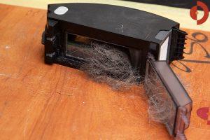 iRobot-Roomba-i7-Test-Haare-und-Tierhaare-saugen-4