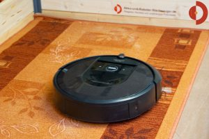 iRobot-Roomba-i7-Test-Laeufer-Saugtest