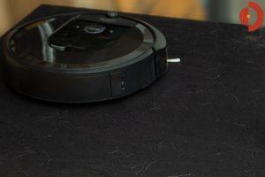 iRobot-Roomba-i7-Test-Schwarze-Boeden