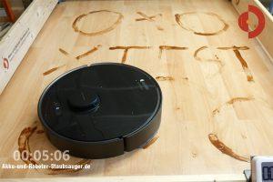 Dreame-Bot-L10-Pro-Wischroboter-Test-Laminat-5min